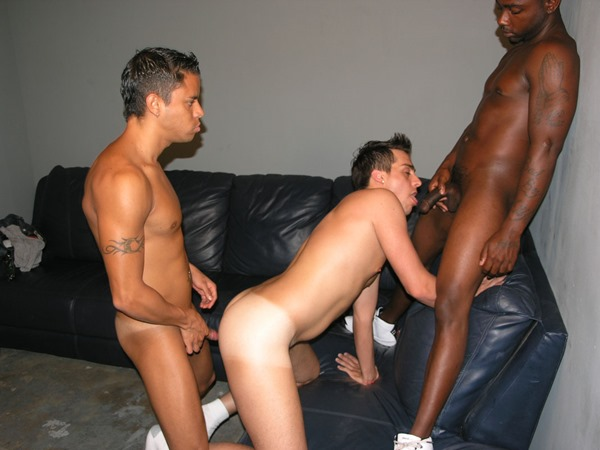 his-first-gay-sex-threesome